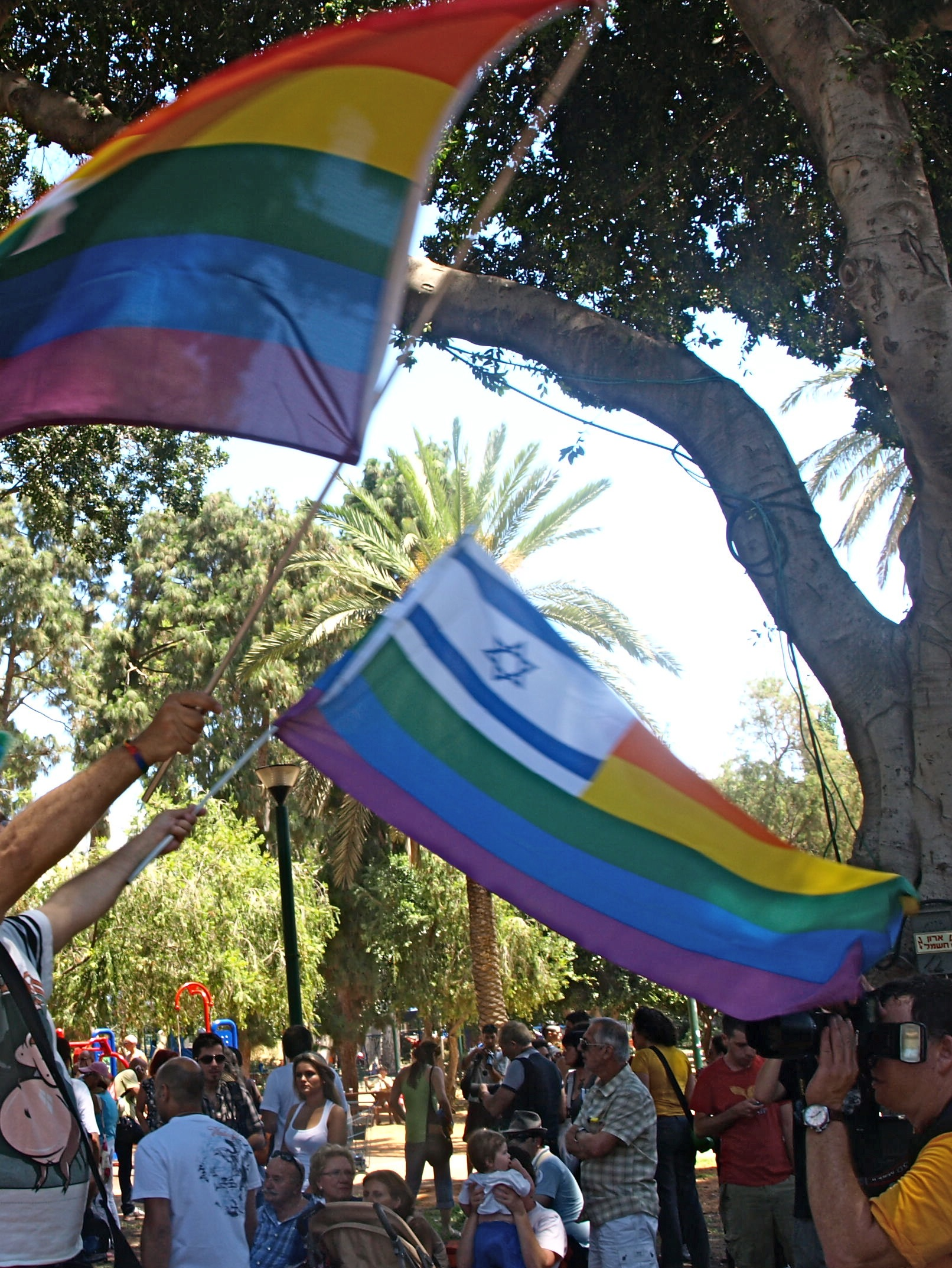 Rainbow flags in Tel Aviv - Wikimedia Commons