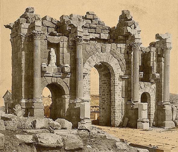 File Roman Arch Of Trajan At Thamugadi Timgad Algeria