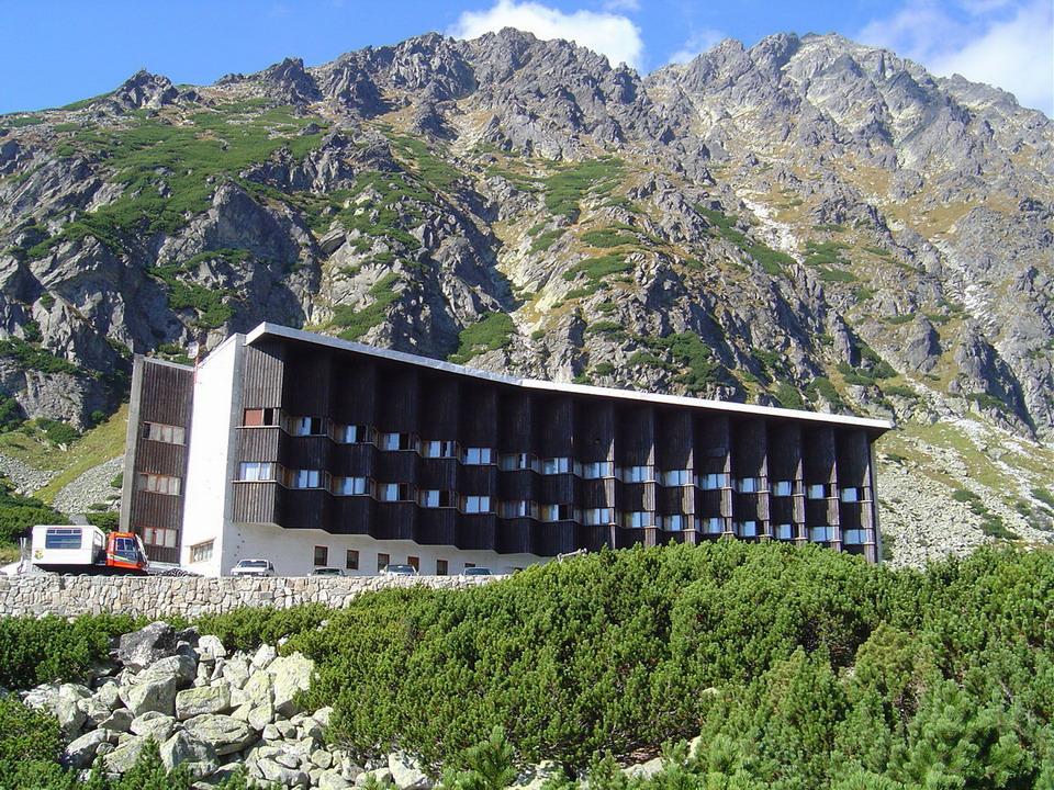 Dom Hotel Am Romerbrunnen Parken