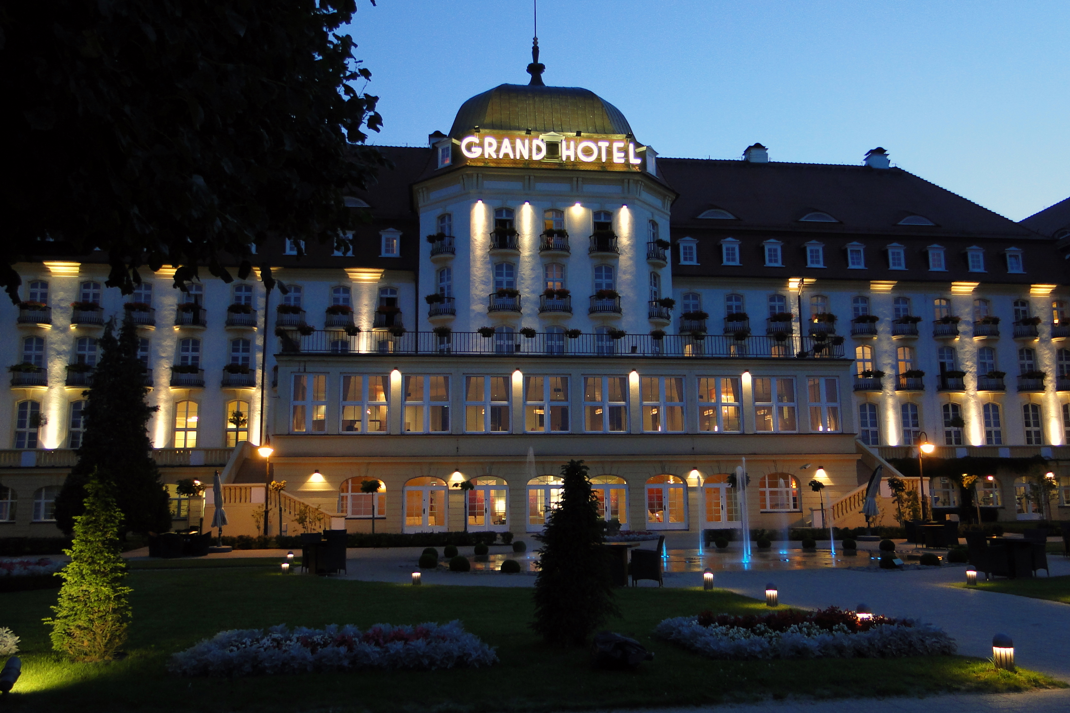 Grand Hotel And Suites Toronto On