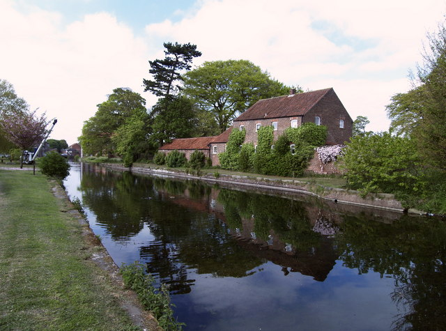 The Head of the Driffield Canal - geograph.org.uk - 424127