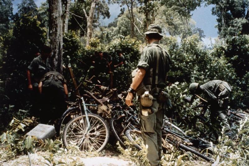 THE VIETNAM WAR 1962 - 1975 (CT 223)