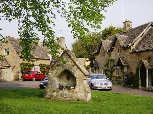 The old well in Lower Slaughter - geograph.org.uk - 447355