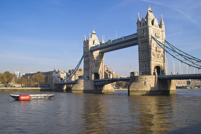 Tower Bridge - geograph.org.uk - 659701