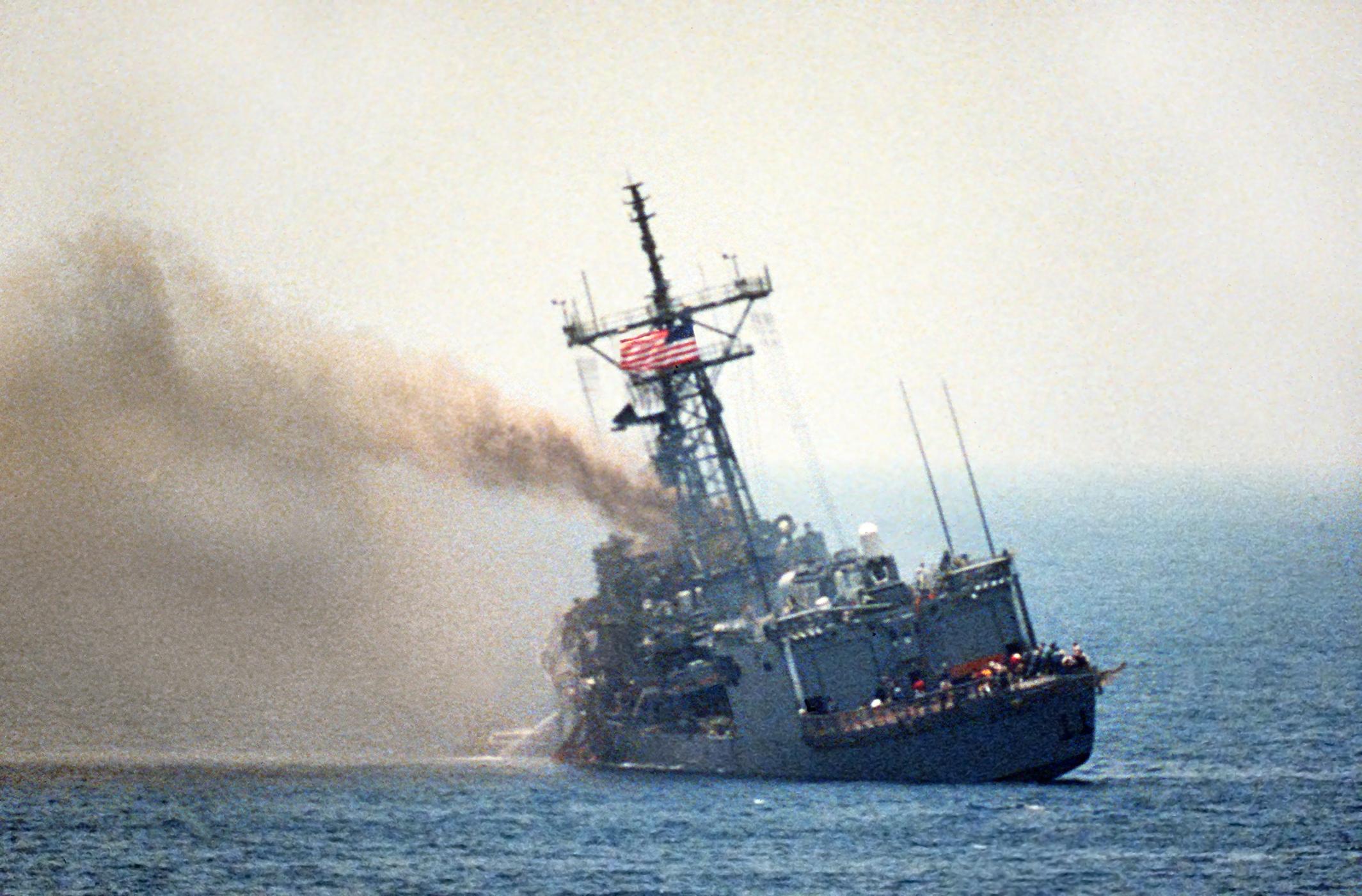 фрикадельки тонет американский корабль фото того, как