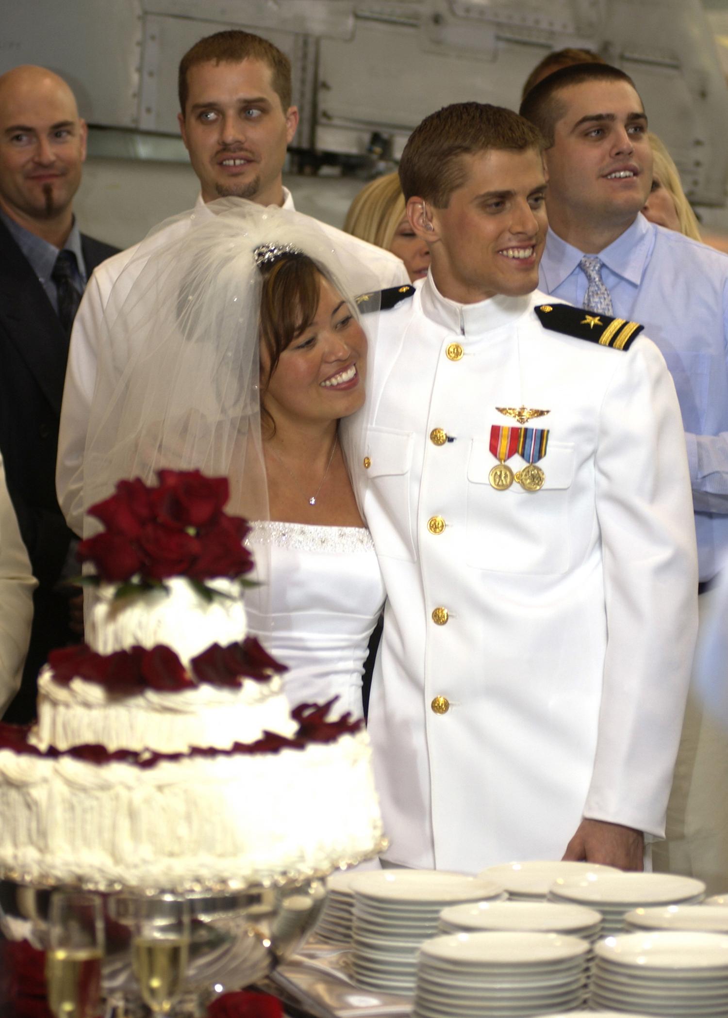File Us Navy 030501 N 8590b 003 Lieutenant David Kozminski
