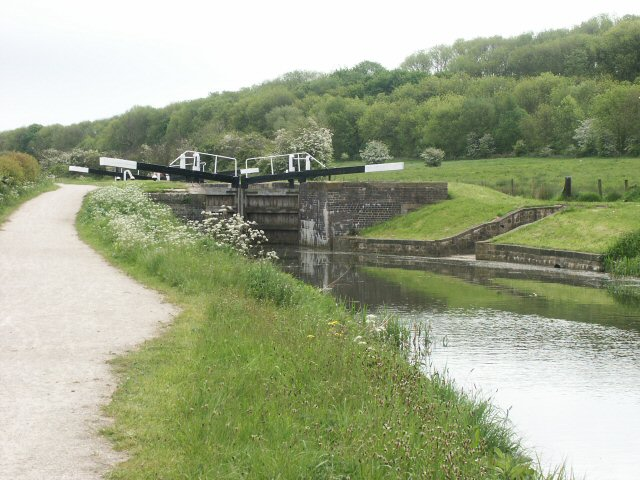 Woolsthorpe Top Lock, Grantham Canal - geograph.org.uk - 136943