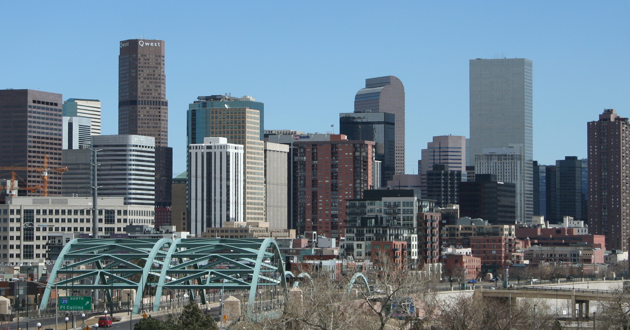 File:2006-03-26 Denver Skyline I-25 Speer.jpg