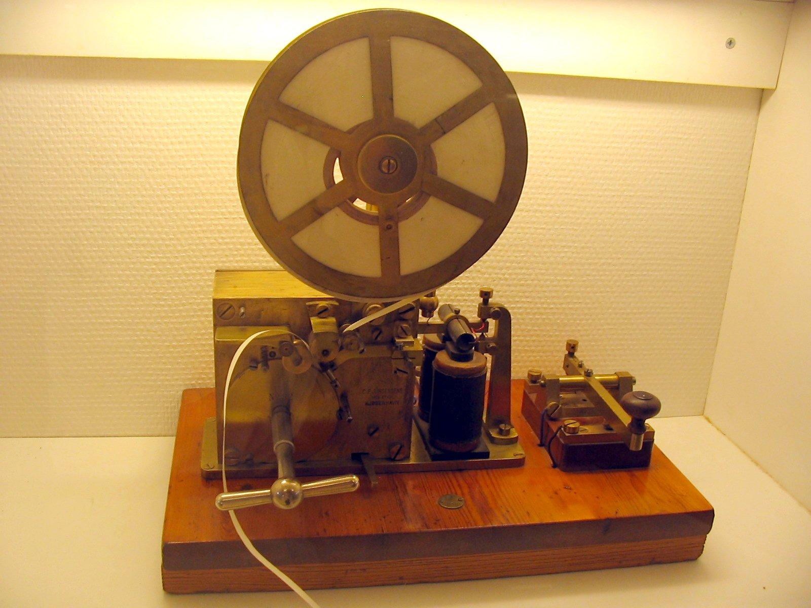 Resultado de imagen para Fotos del telégrafo eléctrico