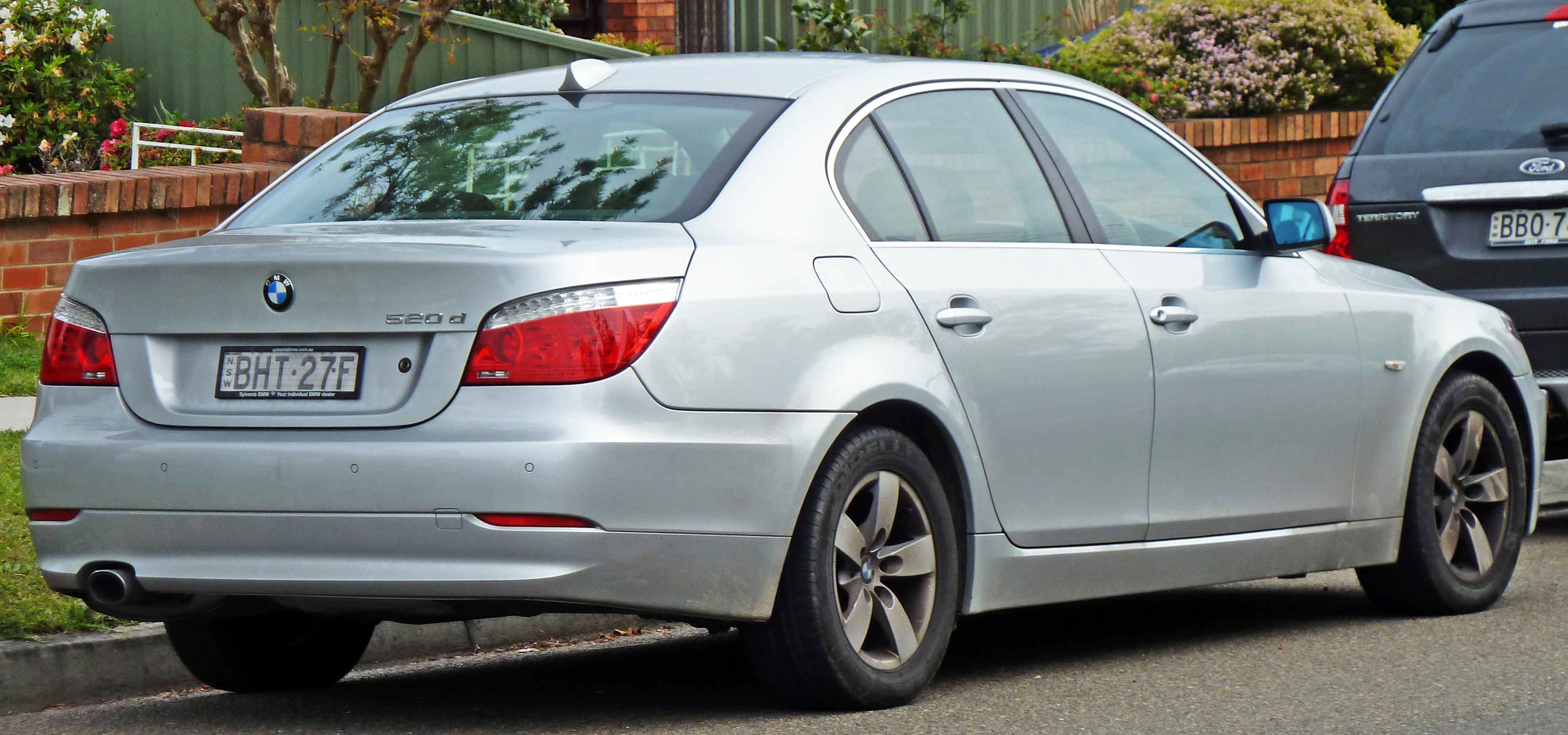 File 2007 2010 Bmw 520d E60 Sedan 02 Jpg