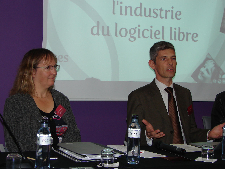 File 2009 open world forum paris capitale du libre for Paris libre