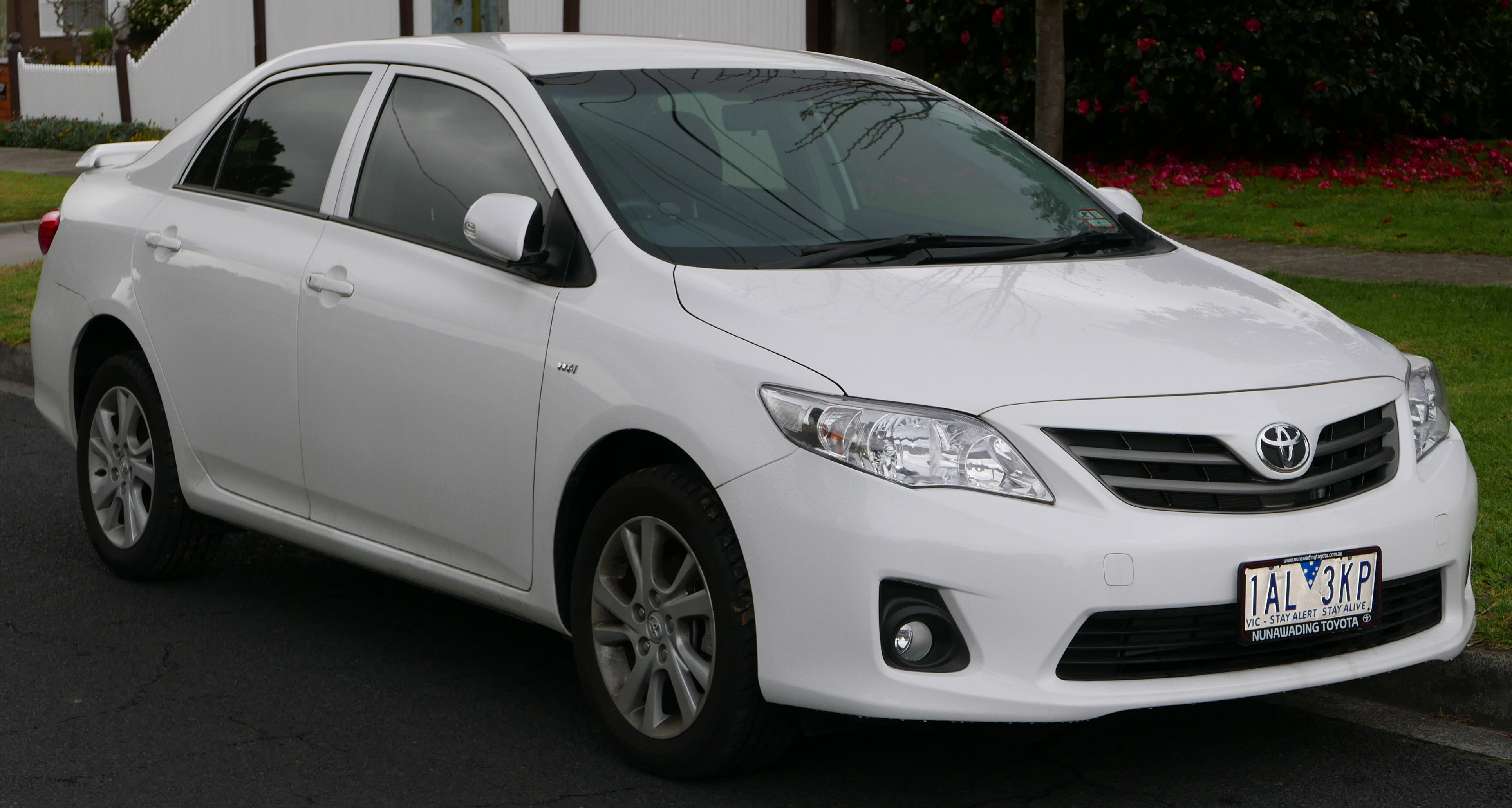 File:2013 Toyota Corolla (ZRE152R) Ascent Sport Sedan (2015 08