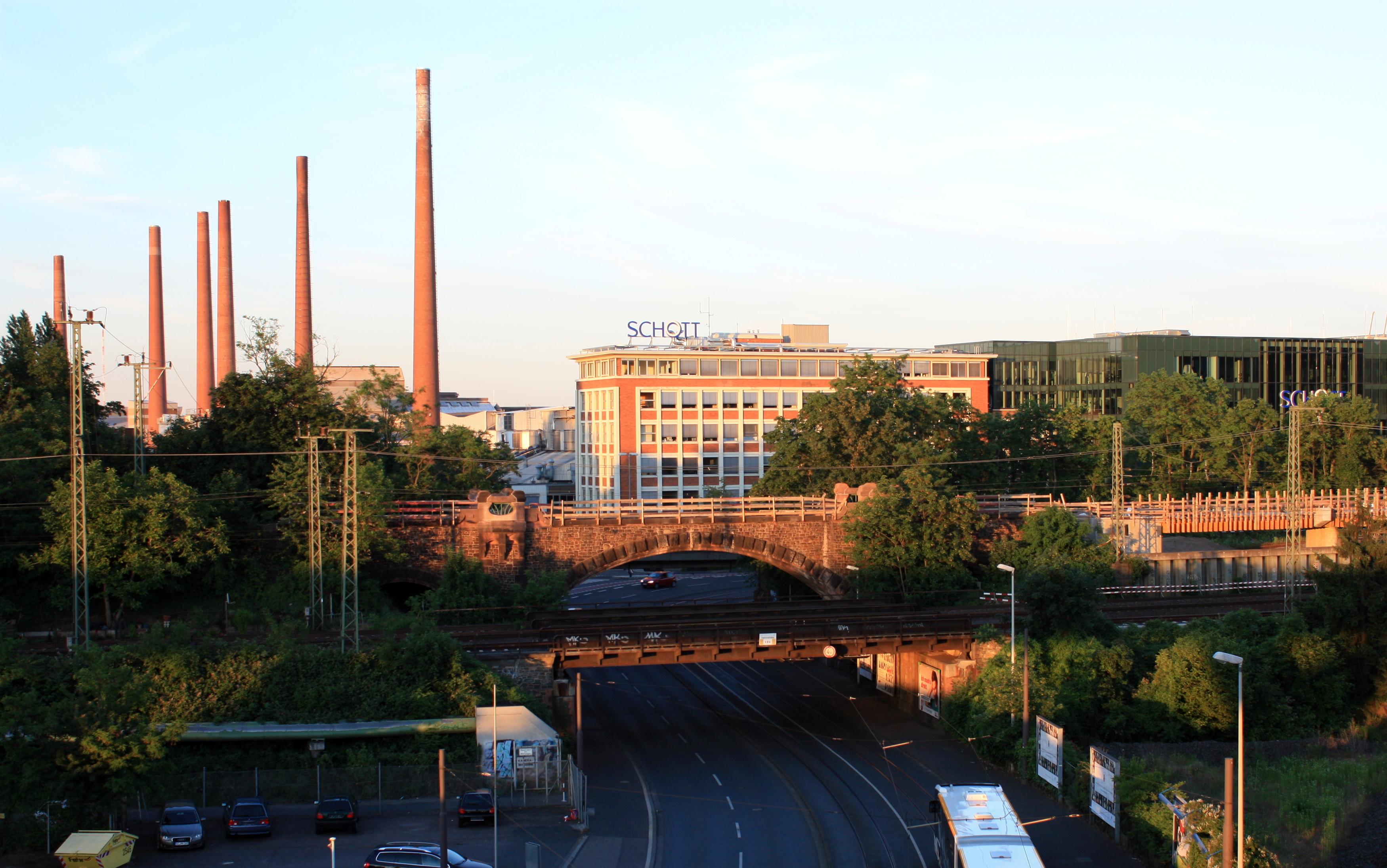 Architekt Mainz file 2014 06 06 schott glas schornsteingruppe und