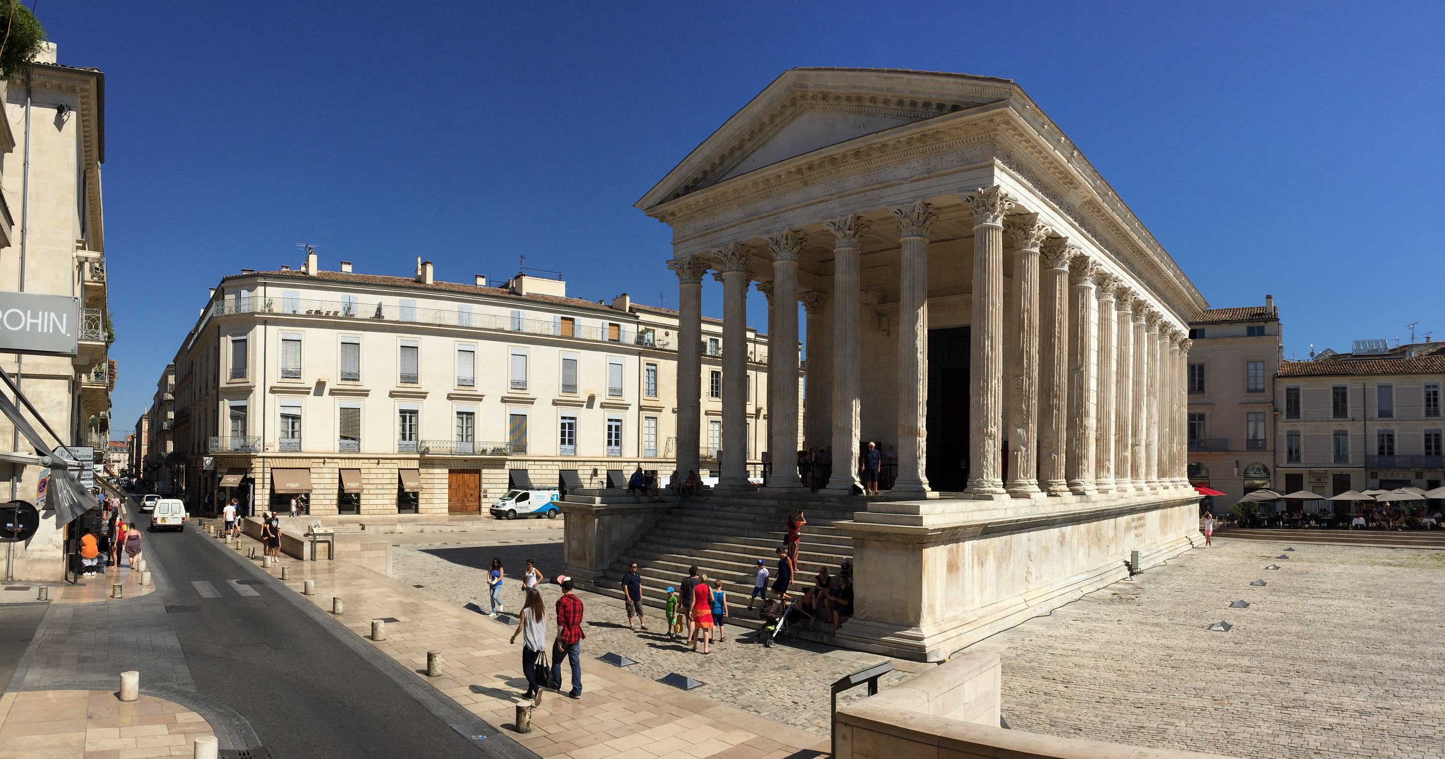 The most beautiful museums galleries in n mes for Maison de la literie nimes