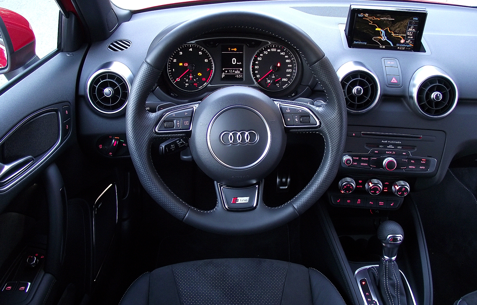 file 2015 facelift audi a1 typ 8x 1 8 tfsi s tronic 141 kw cockpit interieur. Black Bedroom Furniture Sets. Home Design Ideas