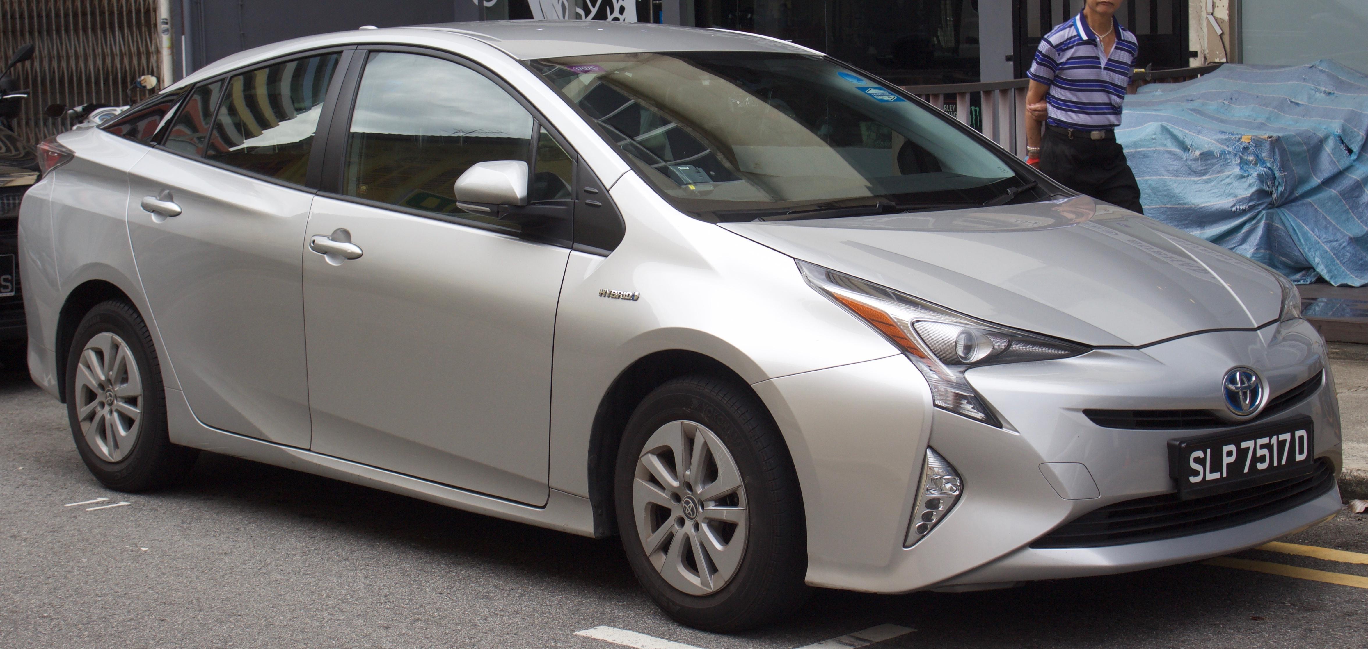 """Результат пошуку зображень за запитом """"Toyota Prius"""""""