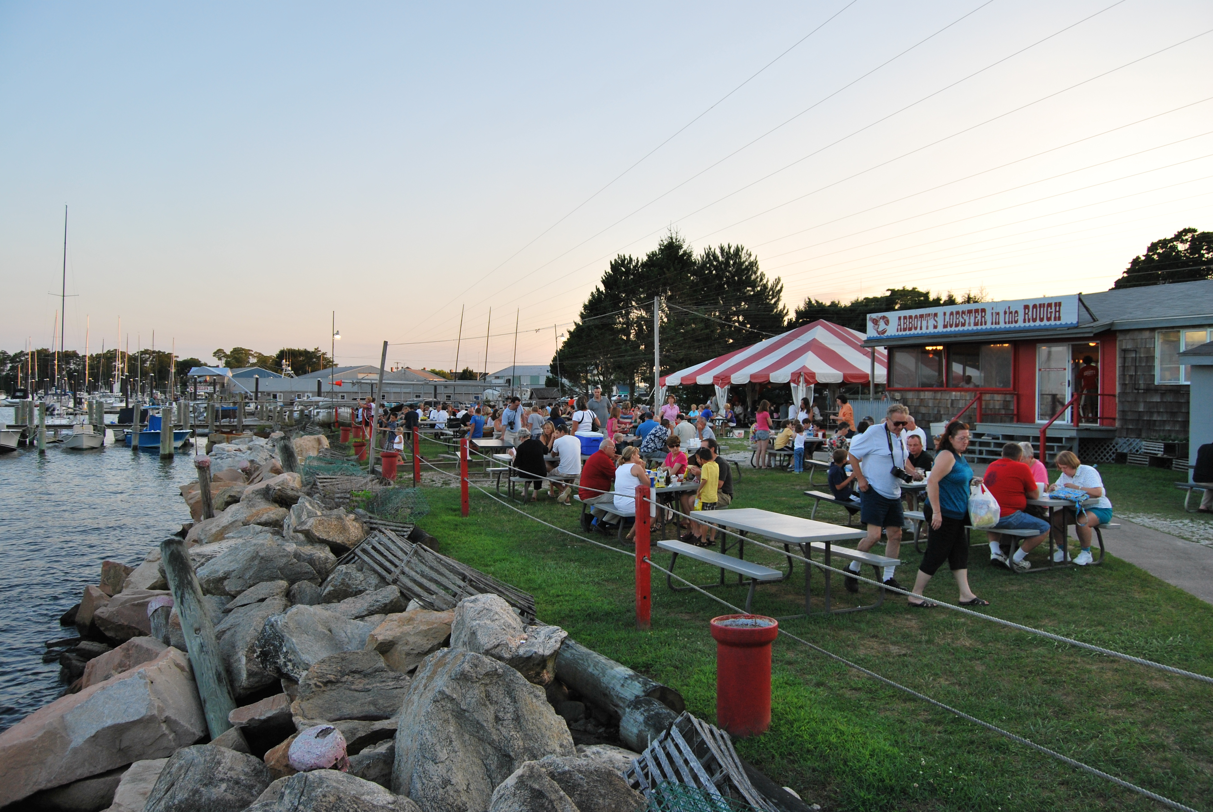 File:Abbott's Lobster In the Rough, Groton, CT.JPG - Wikimedia Commons