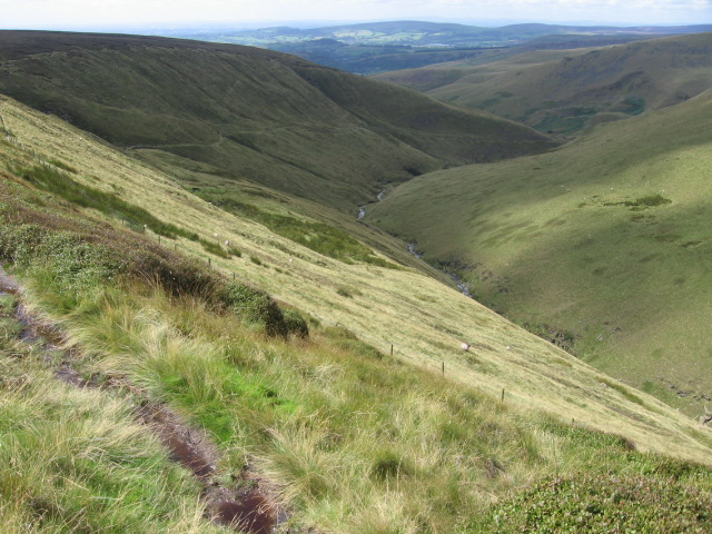 Above Crooked Clough - geograph.org.uk - 942683