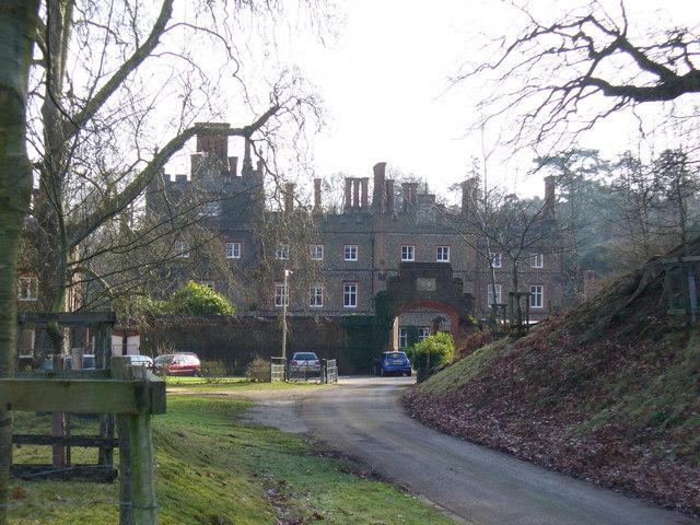 Albury Park Mansion - geograph.org.uk - 669378