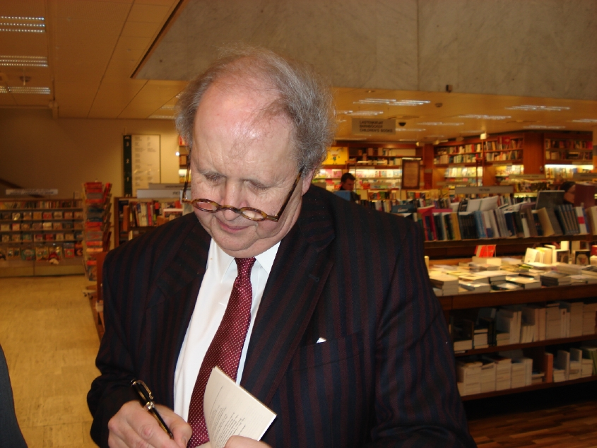 Alexander McCall Smith signing books in Helsinki April 2007