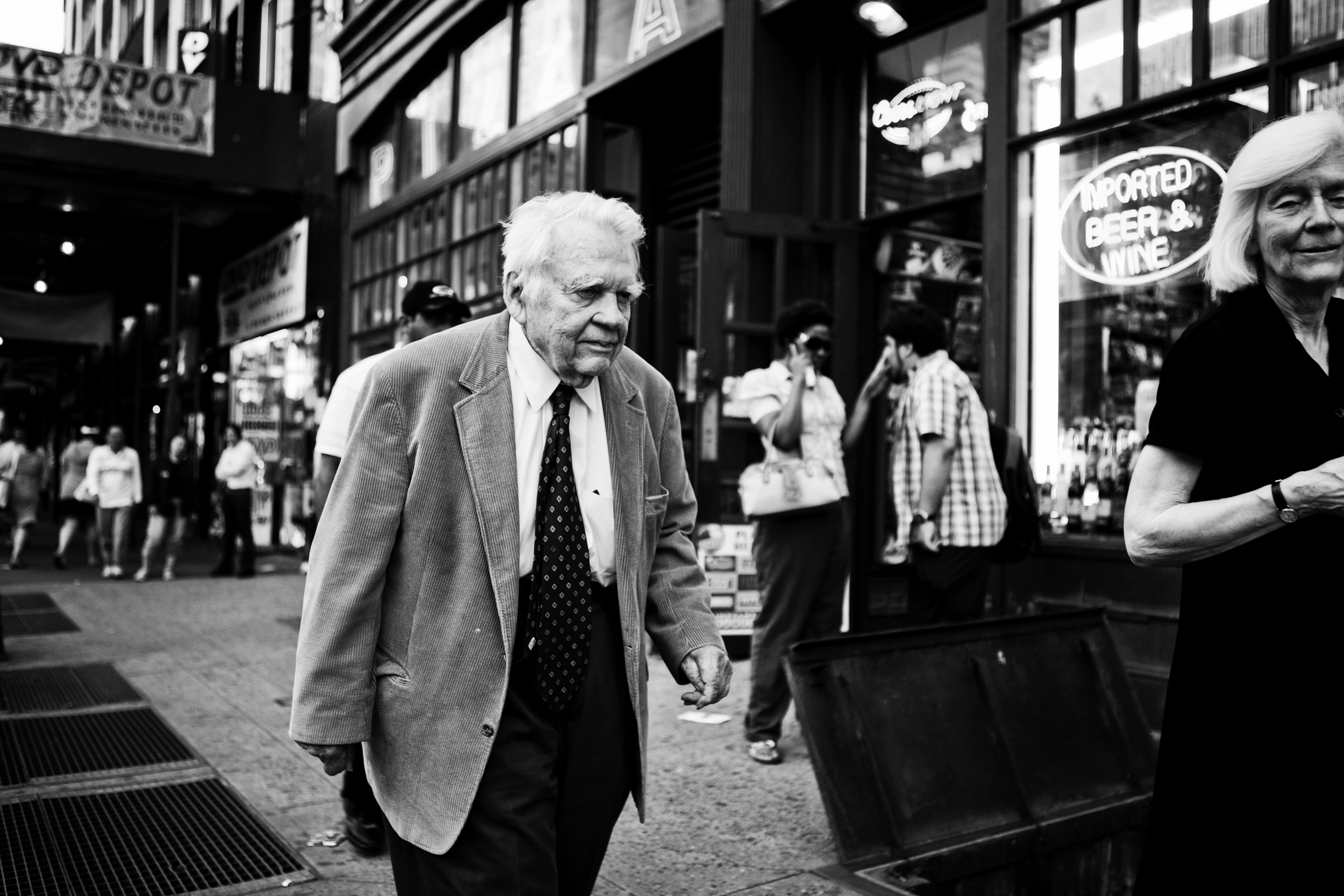 an analysis of in and of ourselves we trust by andy rooney Andy rooney, in and of ourselves we trust wil haygood, underground dads mary karr, dysfunctional nation issues and ideas: characterizing behavior brent staples.