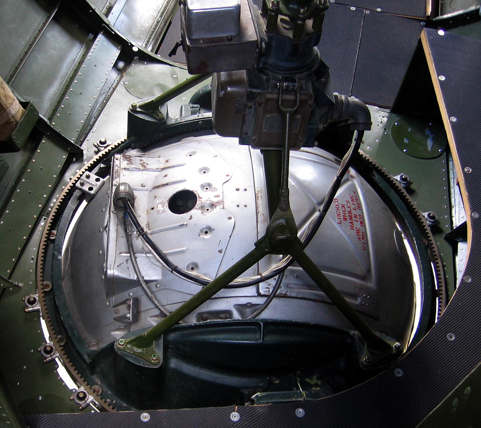 File:B 17 Ball Turret Interior 20060603