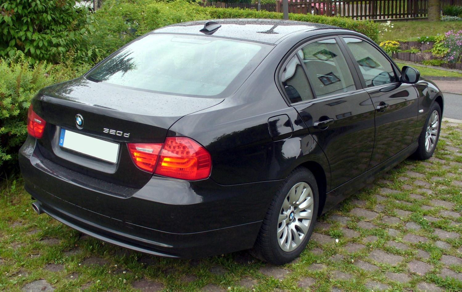 Bmw E90 Wiki >> File:BMW 320d Facelift Heck.JPG