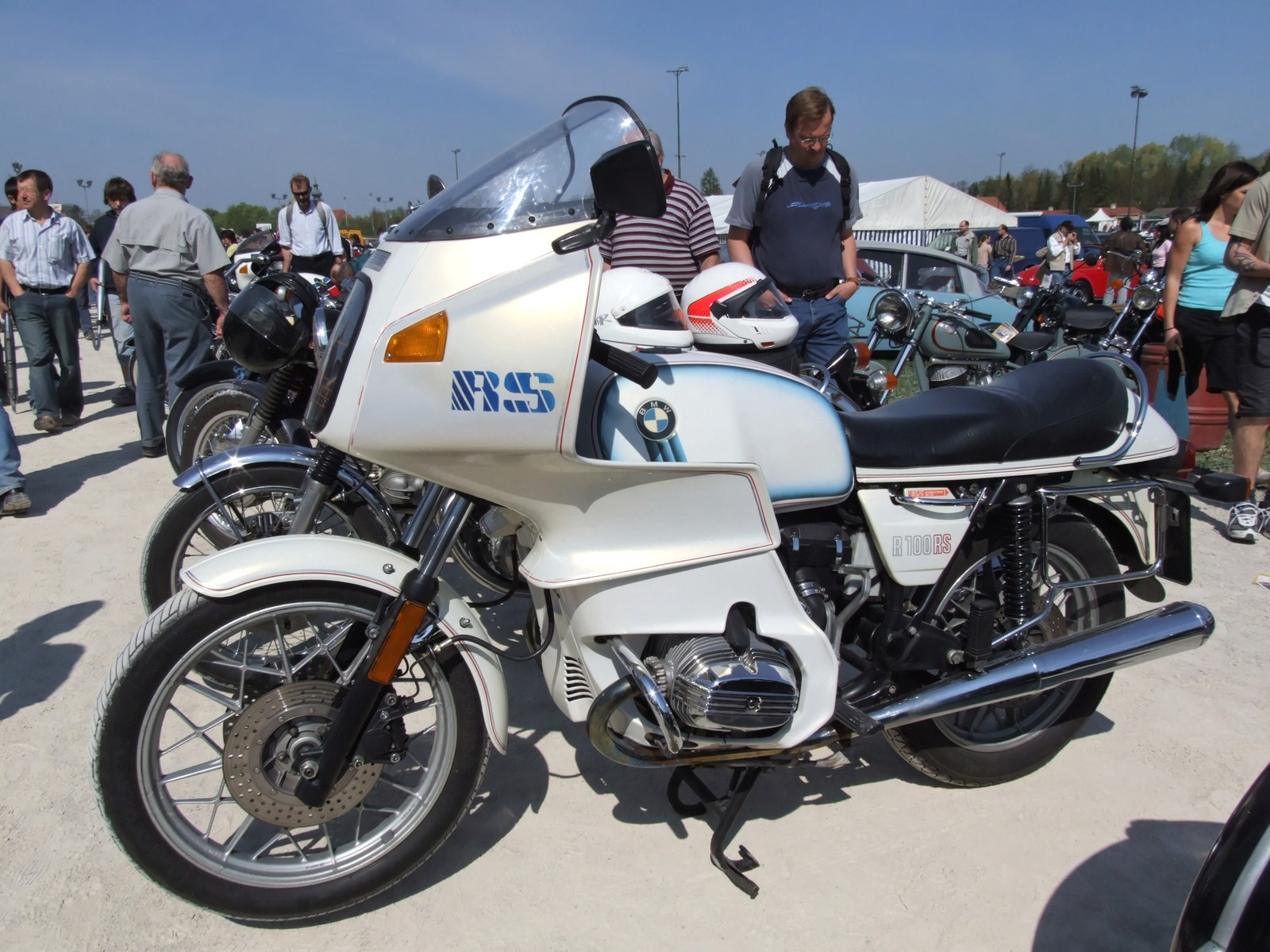 file bmw r 100 rs wikimedia commons. Black Bedroom Furniture Sets. Home Design Ideas