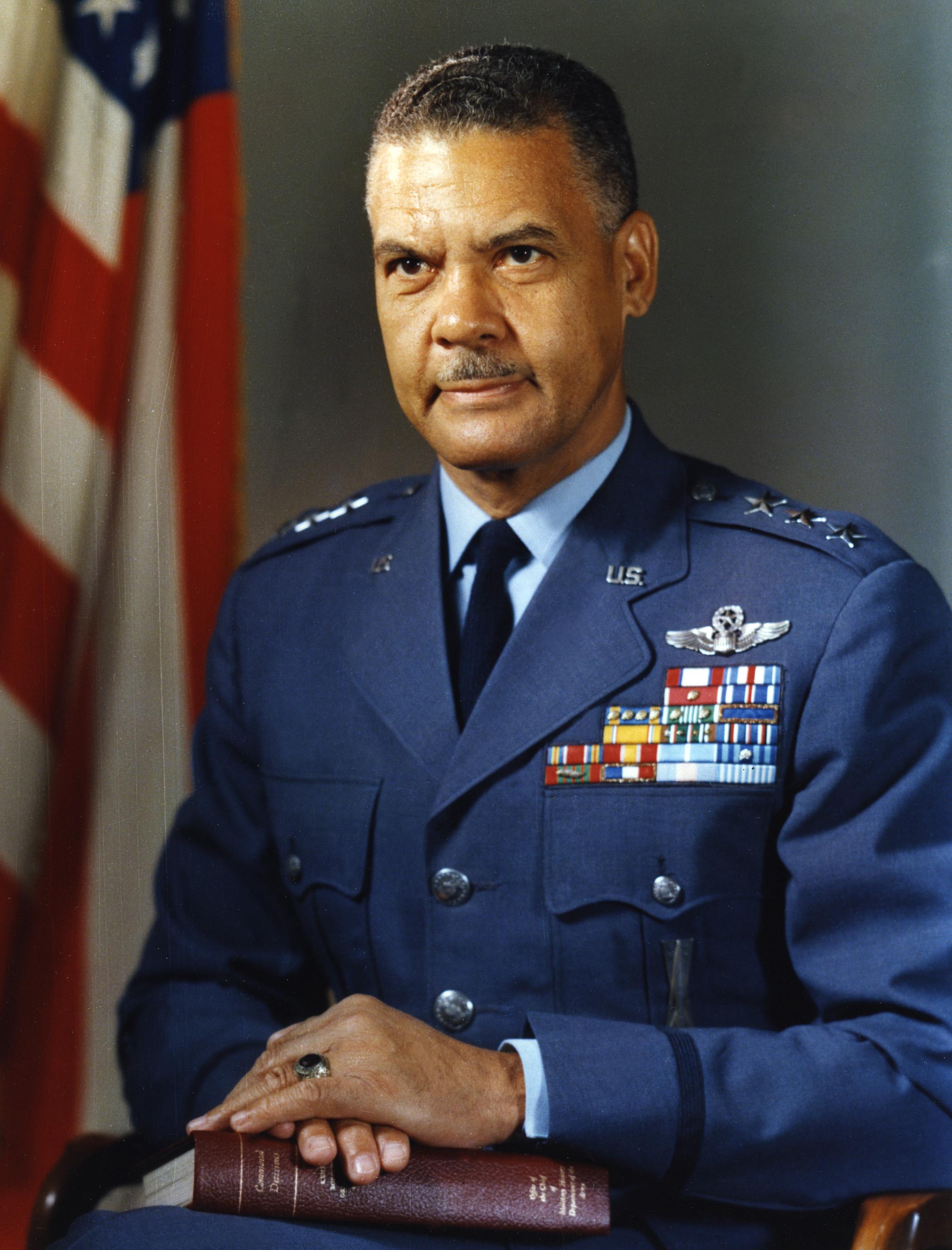 Benjamin O  Davis Jr  - Wikipedia