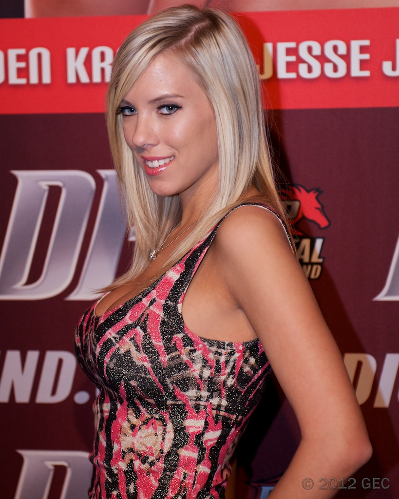 BiBi Jones nudes (81 photos), Tits, Cleavage, Twitter, bra 2015