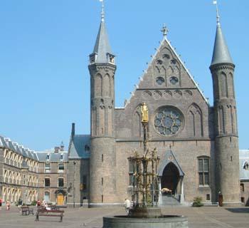 Fichier:Binnenhof.jpg