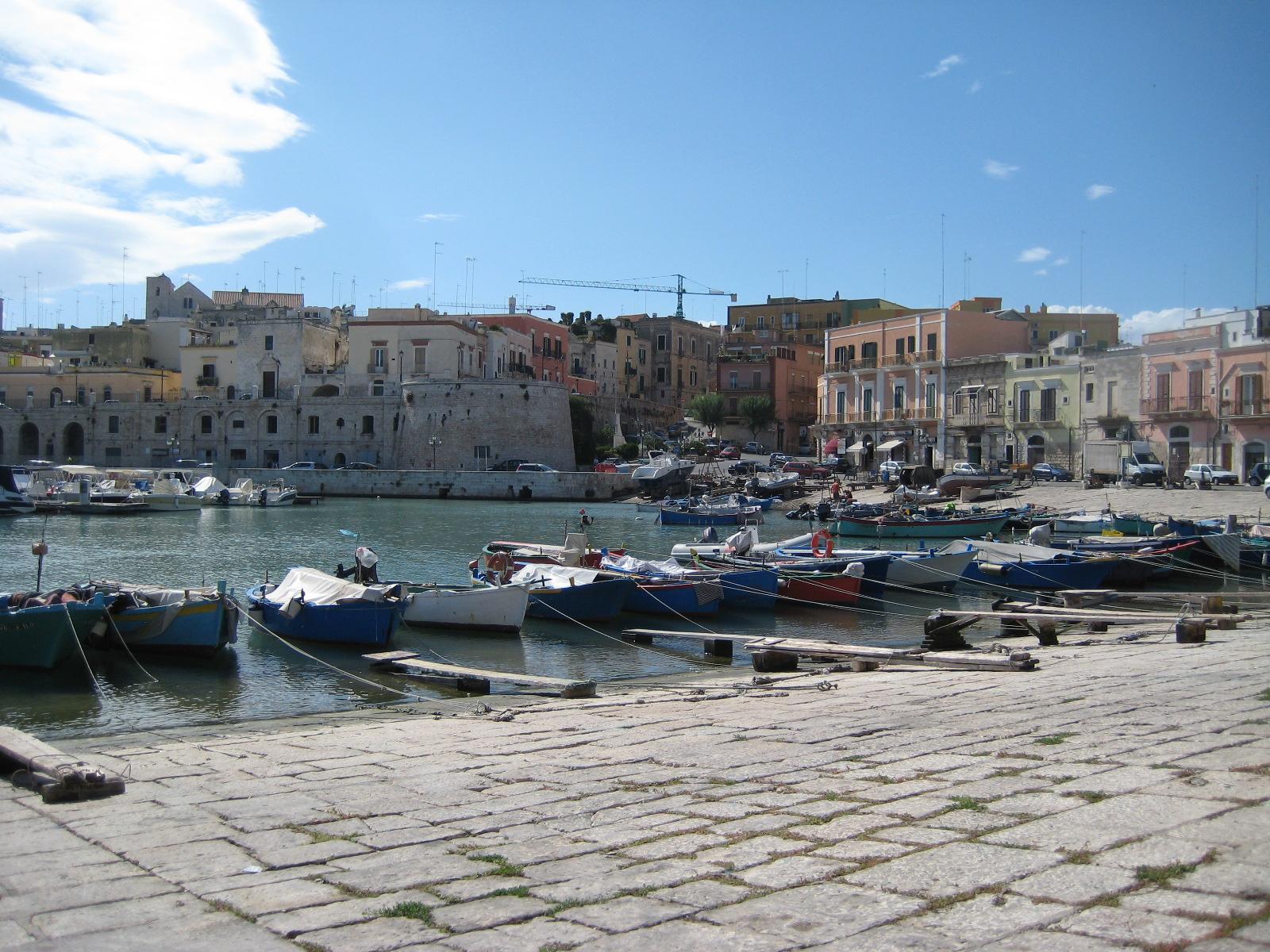 File Bisceglie Porto 7 Jpg Wikipedia