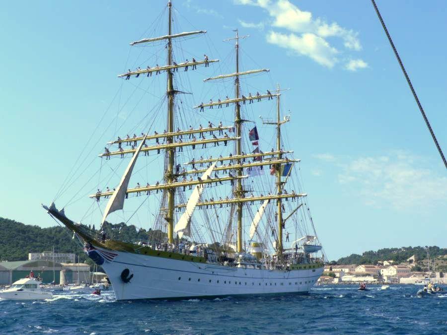 Toulon Voiles de Légende — Wikipédia