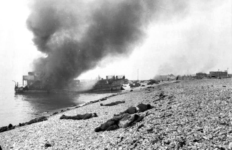 File:Bundesarchiv Bild 101I-291-1229-12, Dieppe, Landungsversuch, tote alliierte Soldaten.jpg