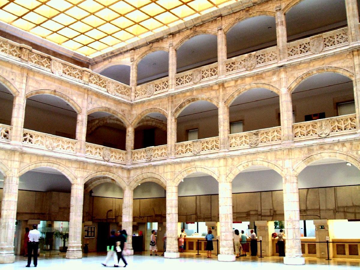 File:Burgos - Casa del Cordon 1.JPG - Wikimedia Commons