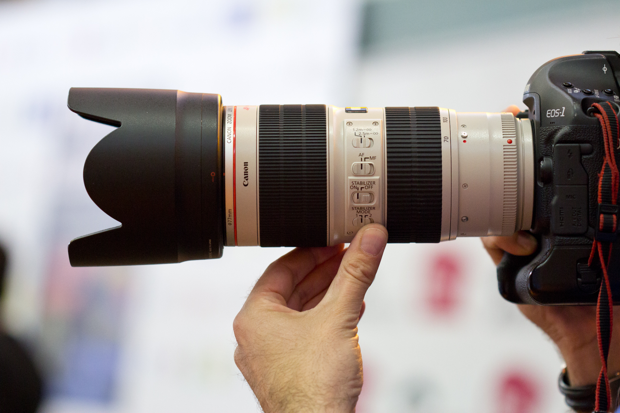 File:Canon EF 70-200mm f2.8L IS II USM + EOS 1D