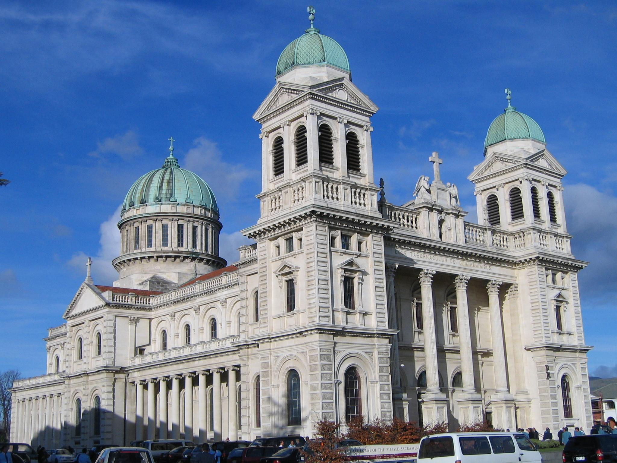 Christchurch Wikipedia: File:ChristchurchBasilica Gobeirne.jpg