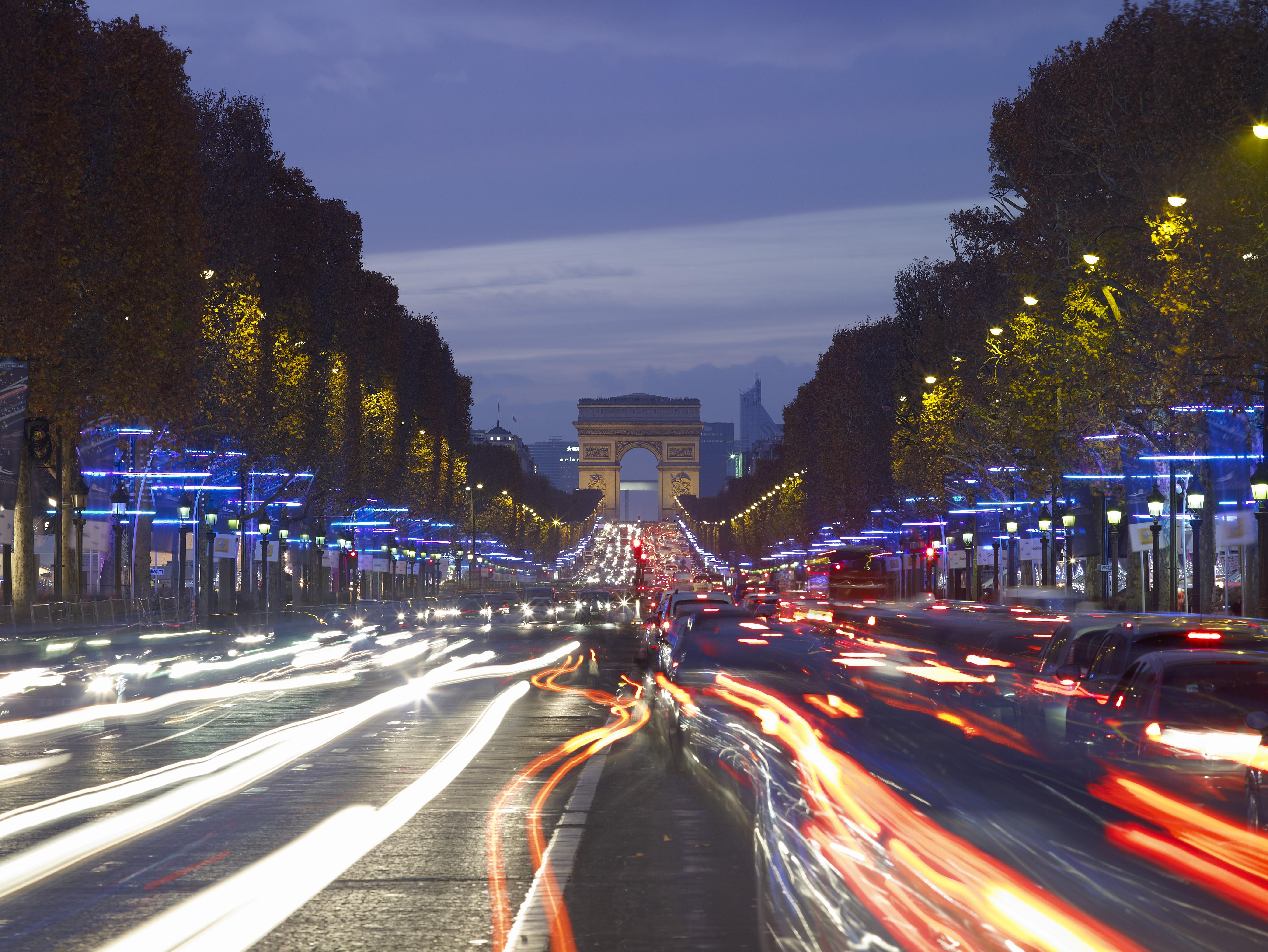 Réserver ou privatiser un bar aux Champs Elysées