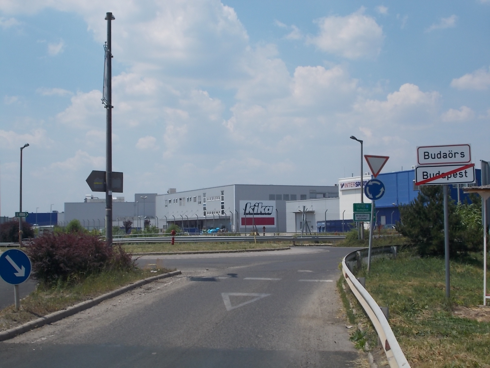 27e2a5013d1d File:City limit, Kika and Intersport shops, 2017 Budaörs.jpg ...