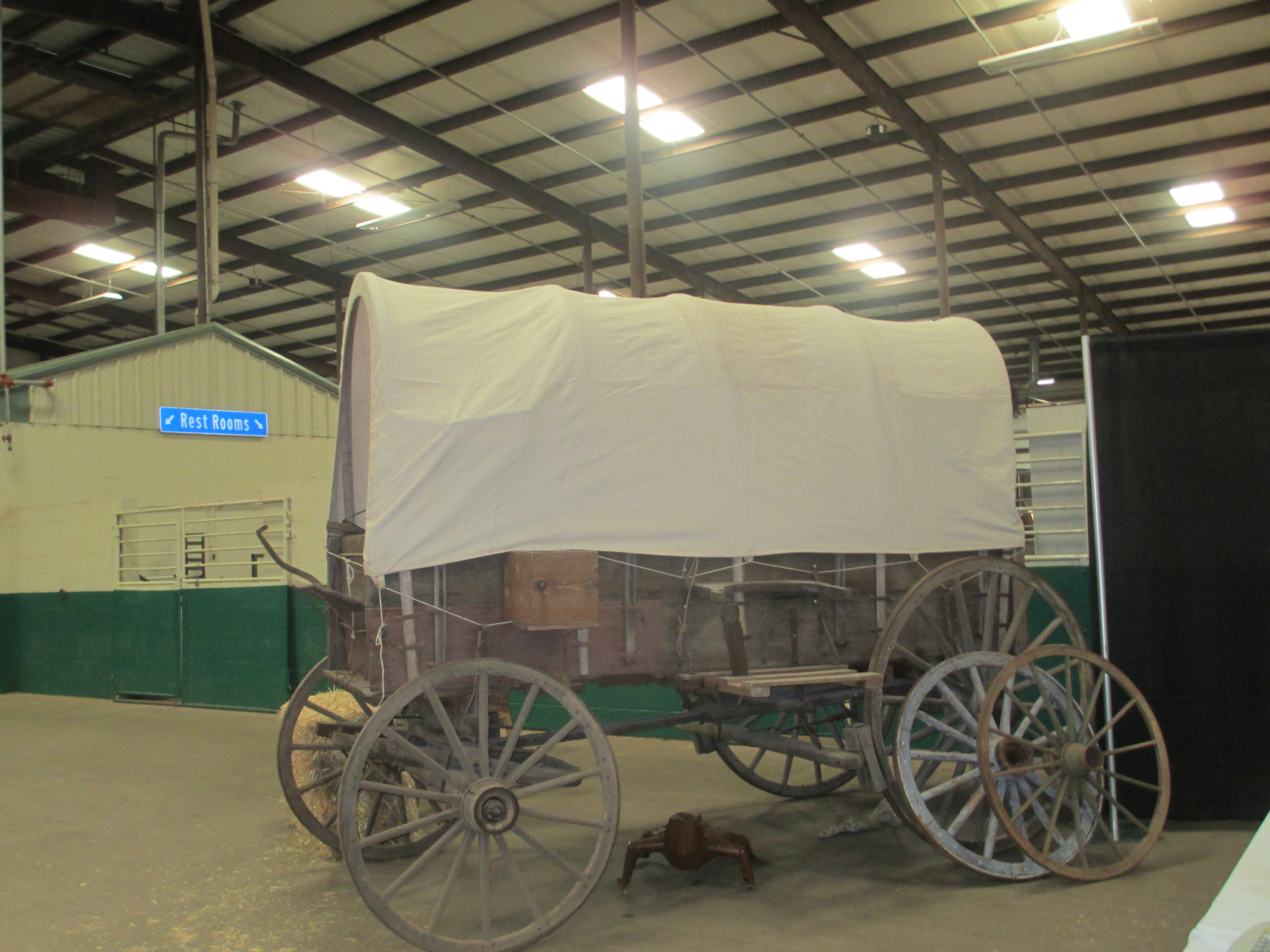 File:Covered wagon at Cowboy True observance, Wichita Falls, TX IMG ...