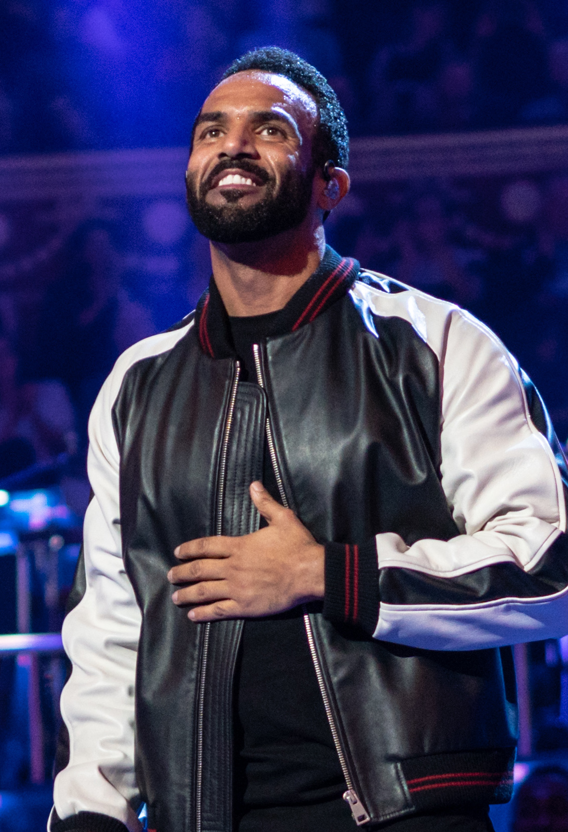 The 37-year old son of father George David and mother Tina Loftus Craig David in 2018 photo. Craig David earned a 3 million dollar salary - leaving the net worth at 15 million in 2018
