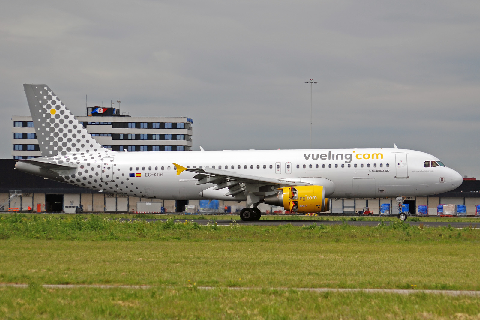 Aéreas Vyuling Airlines (Vueling Airlines). sayt.2 Oficial