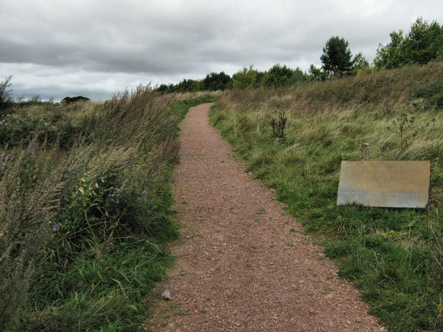 Easy route to the monument - geograph.org.uk - 1565392