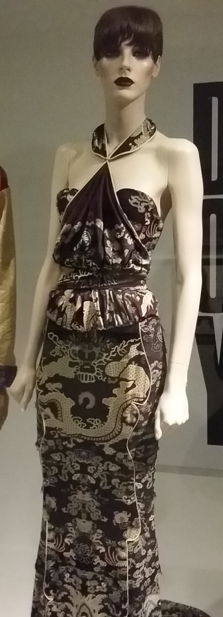 file evening dress in chinese dragon print satin by tom ford for yves saint laurent rive gauche. Black Bedroom Furniture Sets. Home Design Ideas