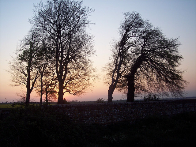 File:Evening skies near Tottons Down Barn - geograph.org.uk - 407469.jpg
