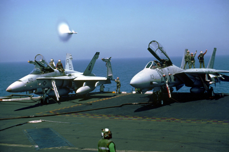 File:F-18C VFA-86 F-14A VF-102 on USS America (CV-66) 1991 ...