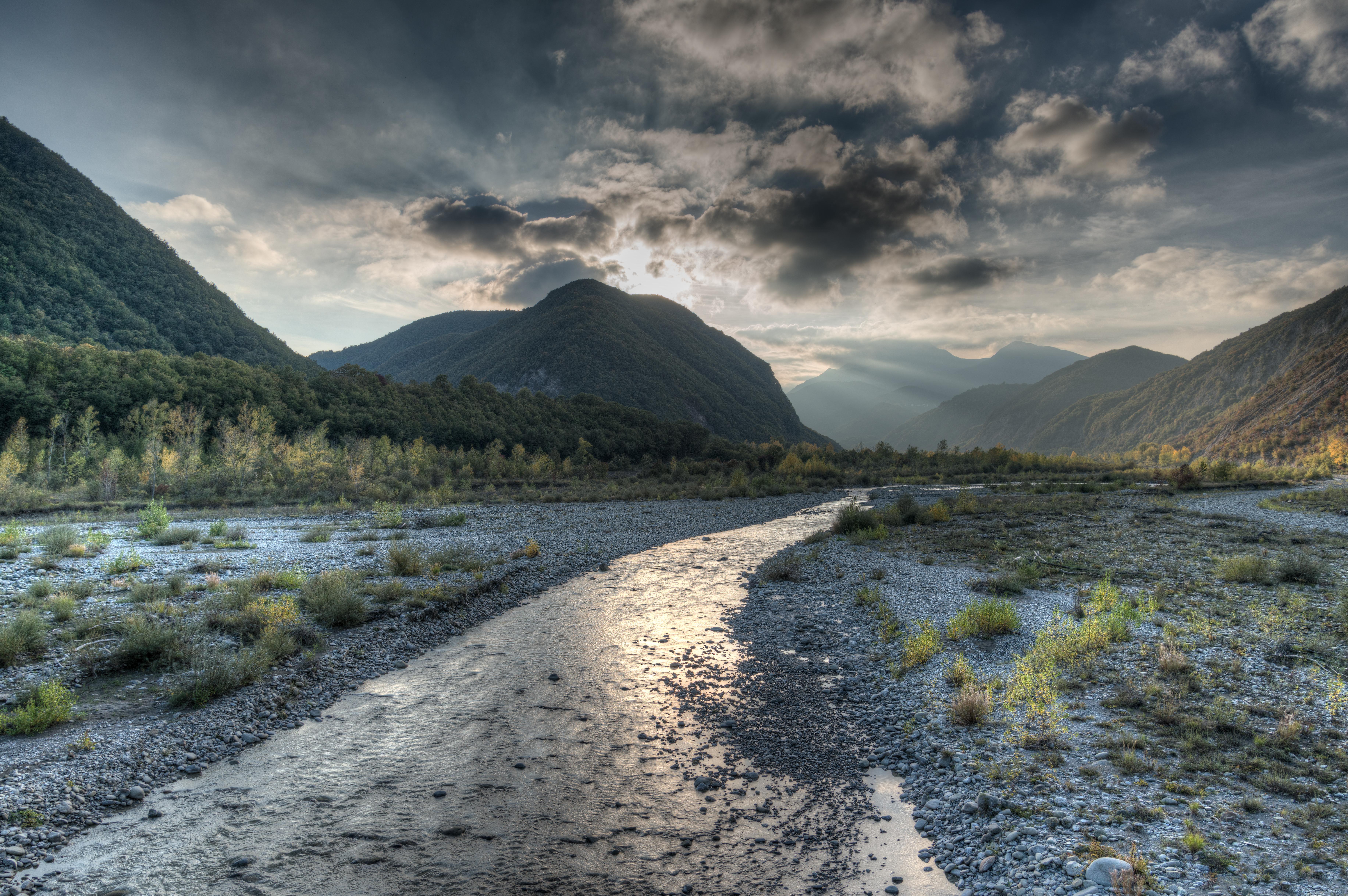 Tramonto sulla Secchia a Castenovo ne Monti