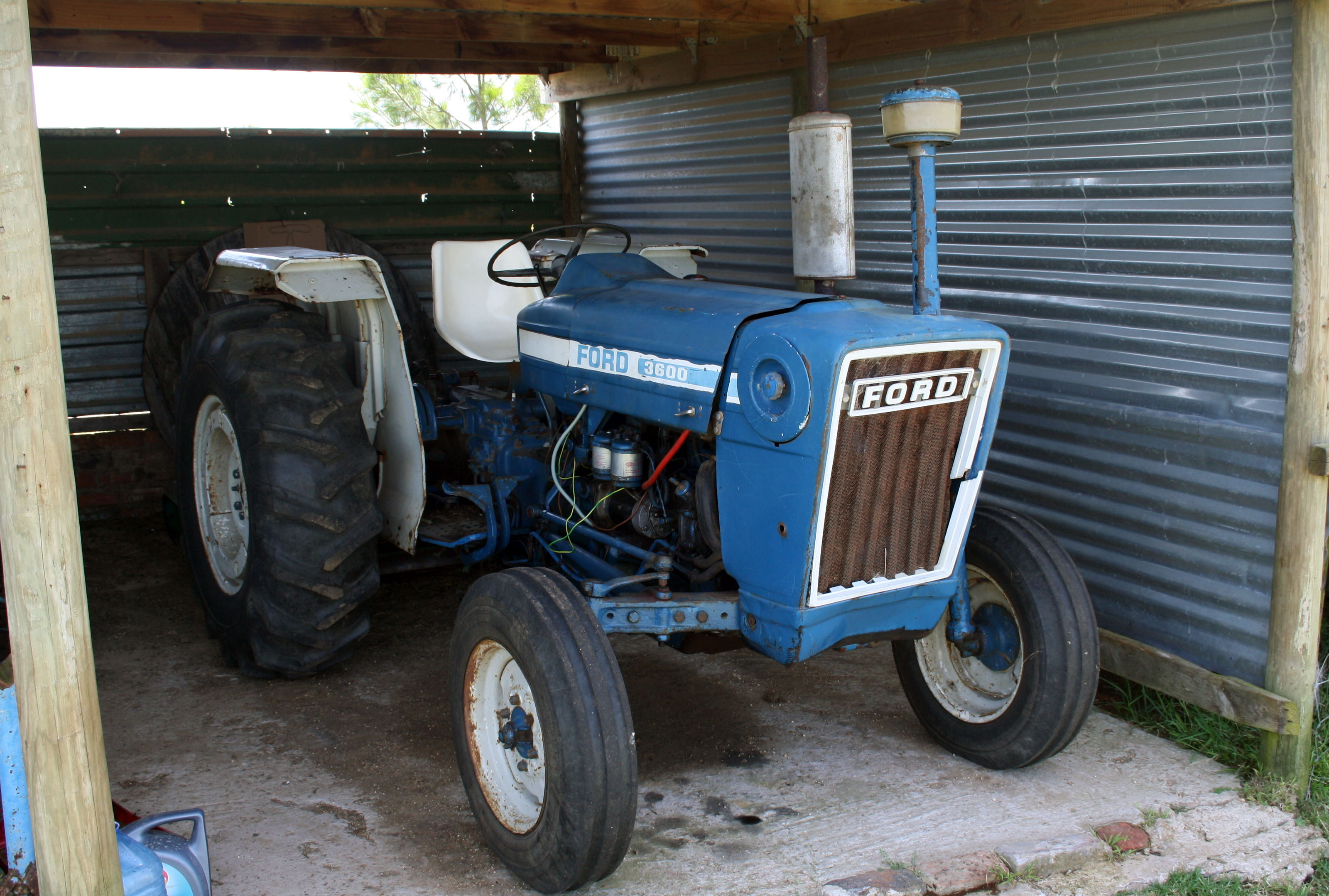 File Ford 3600 Tractor 23559205556 Jpg Wikimedia Commons