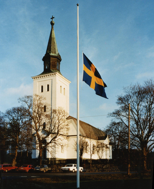 Prins Henrik är död. Vi framför våra kondoleanser till våra bröder och systrar i söder. Länge leve Danmark och kärleken mellan våra länder!