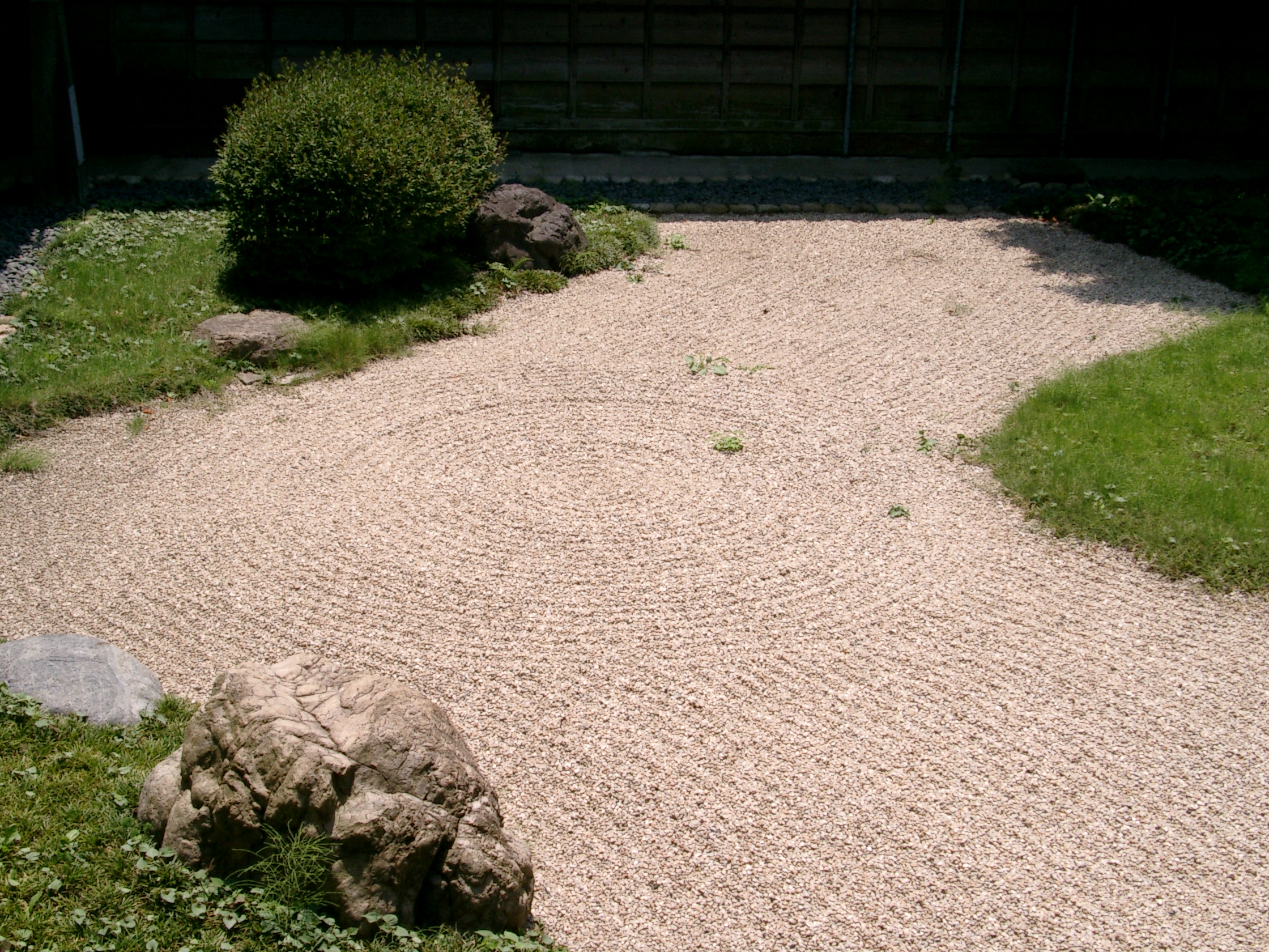Opinions on japanese zen for Japanese zen garden